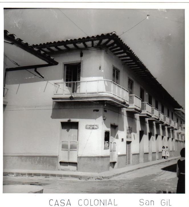Casa de balcón años 1950-60