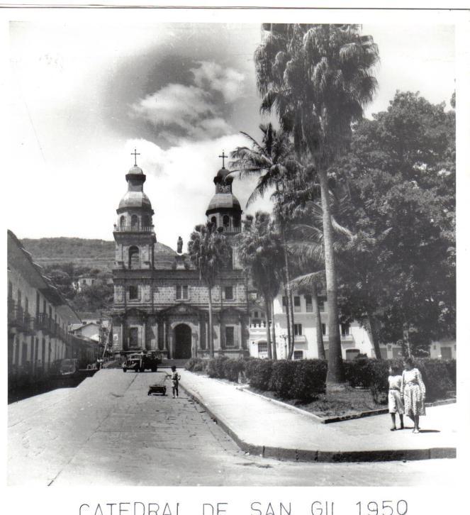 Catedral y parque década 1950